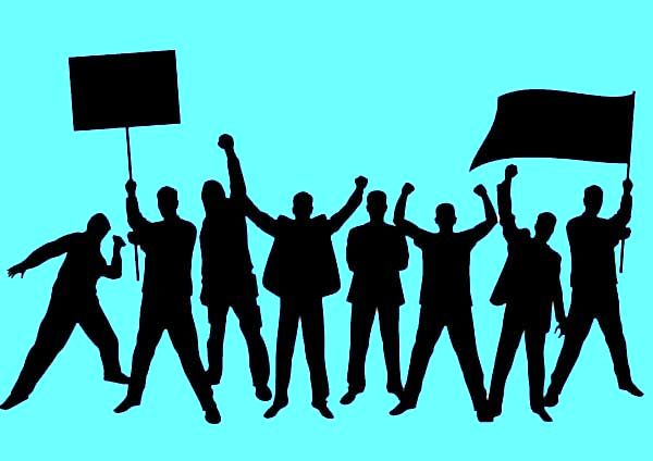 افکار عمومی ایرانی / گذار از جامعه تلهماتیکی به جامعه تلگرامی