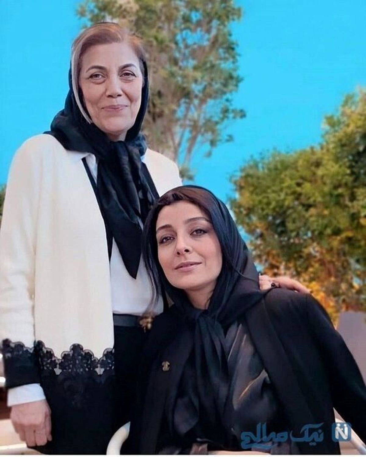 ساره بیات در کنار مادرش + عکس