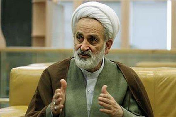 نماینده اصفهان : محافظ من با اسلحه خودش مجروح شده است