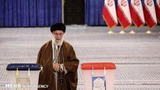 گزارش تصویری حضور رهبرانقلاب در شعبه اخذ رای شماره 110