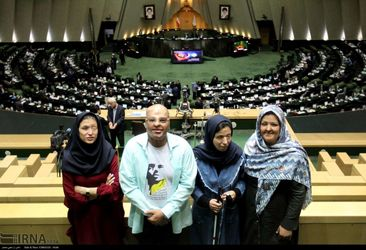 قربانیان اسیدپاشی در مجلس