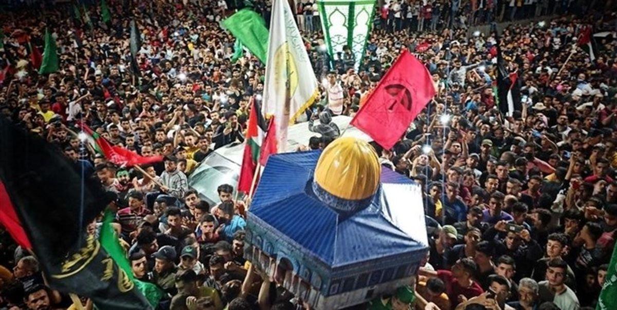 مردم تهران پیروزی مقاومت فلسطین را جشن میگیرند