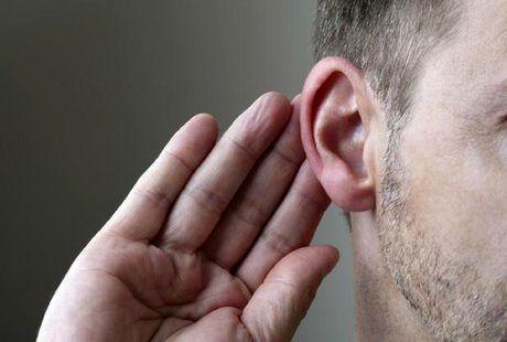 """از """"هندزفری"""" تا """"ناشنوایی""""/ خطر 5 برابری بروز آلزایمر در کمشنوایان"""