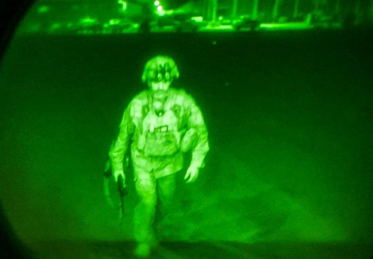 آخرین نظامی آمریکایی که افغانستان را ترک کرد