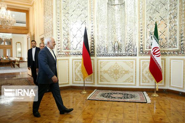 ظریف: دیداری بین رئیس جمهوری ایران و ترامپ قابل تصور نیست