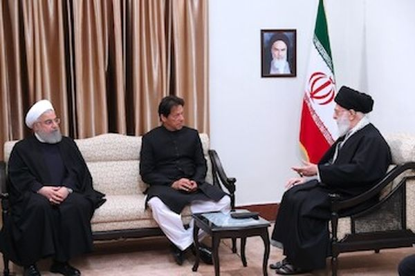 رهبر انقلاب: روابط ایران و پاکستان برخلاف میل دشمنان باید تقویت شود