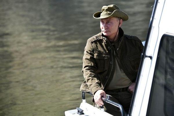 گزارش تصویری /طبیعت گردی ولادیمیر پوتین در سیبری برای گذراندن تعطیلات