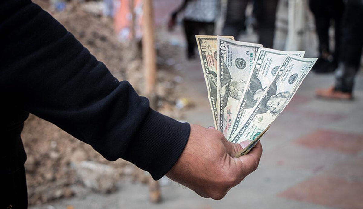 ریزش بازار ارز/ چشمانتظار دلار ۲۰ هزار تومانی باشیم؟