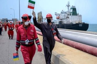 نفتکش غول پیکر ایرانی بدون مشکل به ونزوئلا رسید