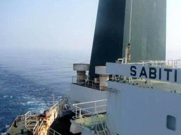 عطوان: زیردریایی اسرائیلی نفتکش ایران را هدف قرار داده است