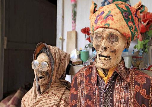 جزیرهای که نبش قبر، در آن نشانه احترام به متوفی است +تصاویر