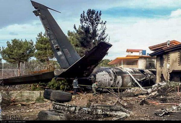 سقوط یک فروند هواپیمای باربری 707 در شهرک مسکونی صفادشت+عکس