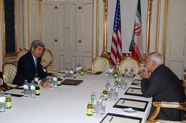 دیدار ظریف و کری برای تحقق شروط رهبری / دستورالعمل آمریکا به شرکتها برای همکاری با ایران