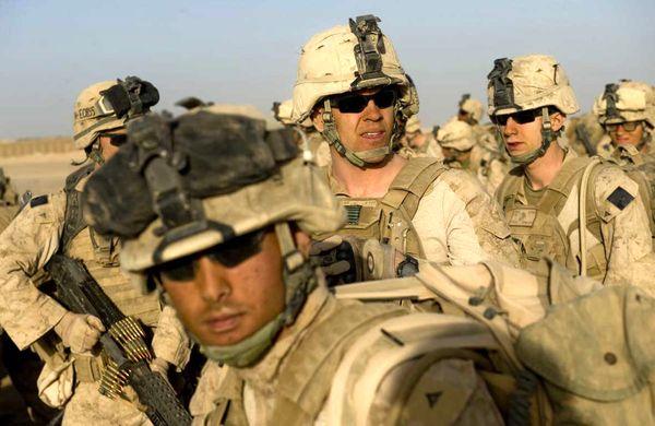 سناتور مک کین افزایش شمار نیروهای آمریکایی را در عراق خواستار شد