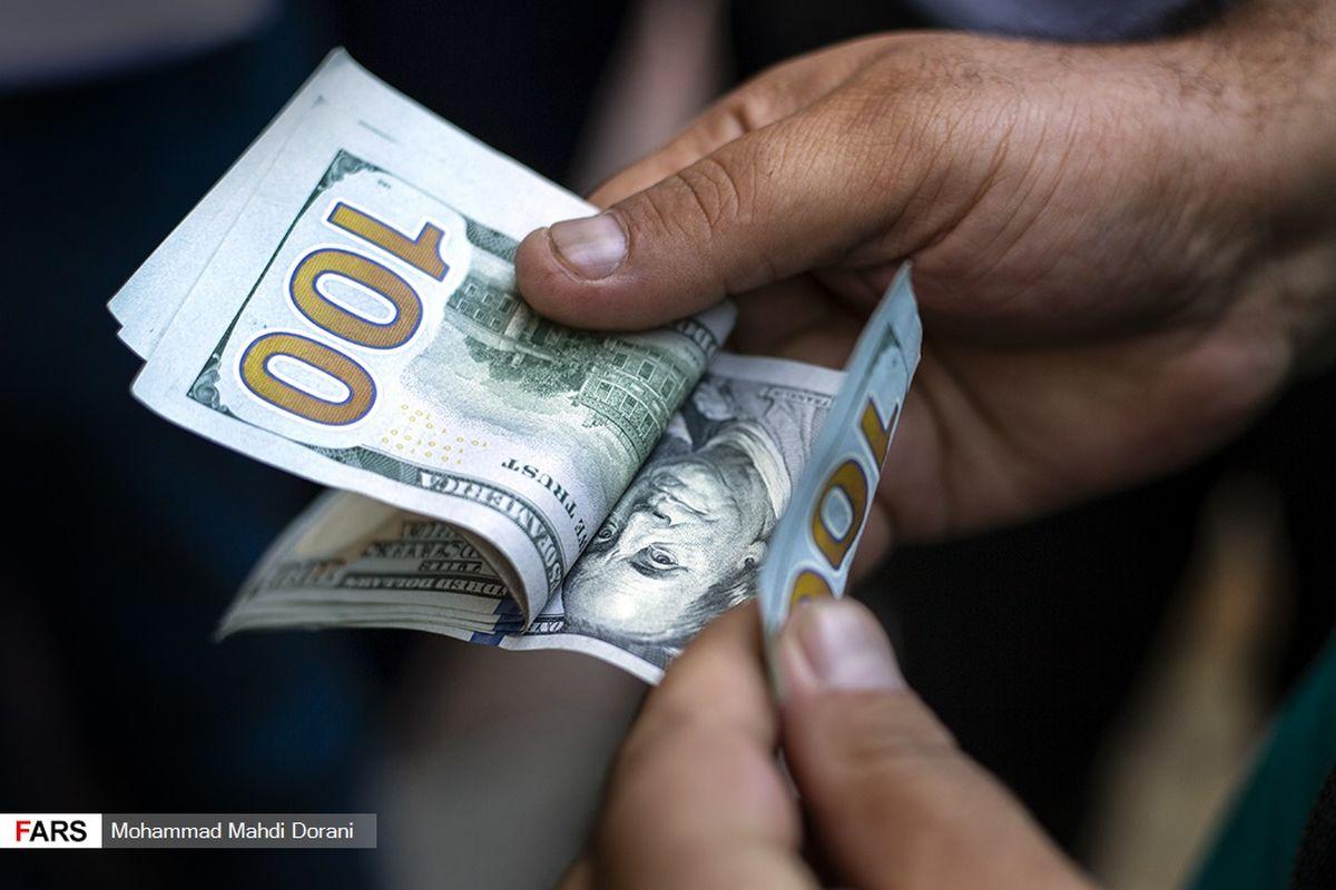 دلار های کشور در اختیار کدام نهاد است؟