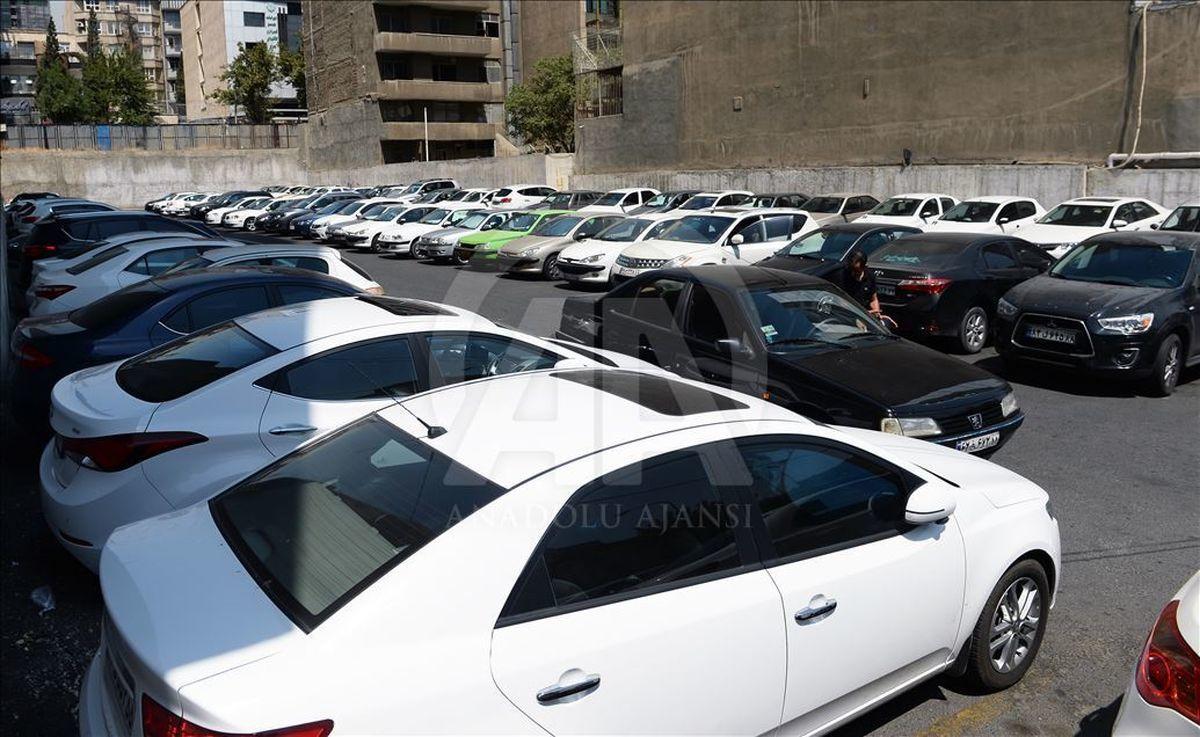 قیمت خودرو در ۱۴۰۰ آزاد میشود؛ در بازار دو دستگی قیمتی رخ می دهد؟