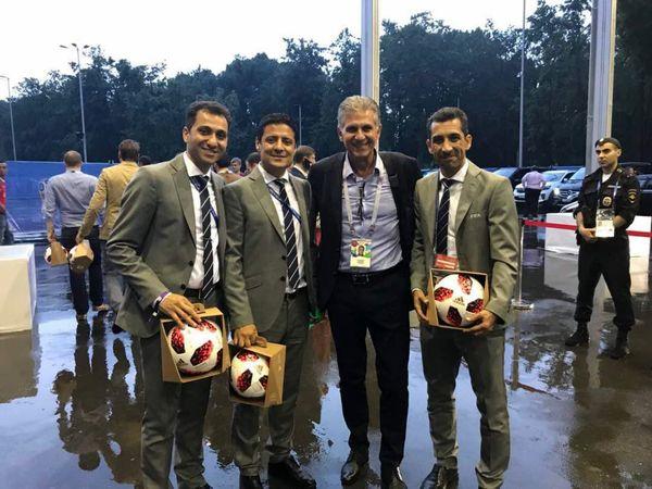 عکس یادگاری کیروش با داوران افتخارآفرین ایران در جام جهانی