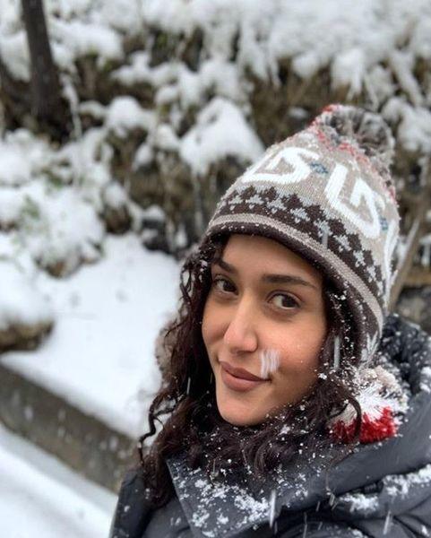عکس جذاب و زمستانی پریناز ایزدیار