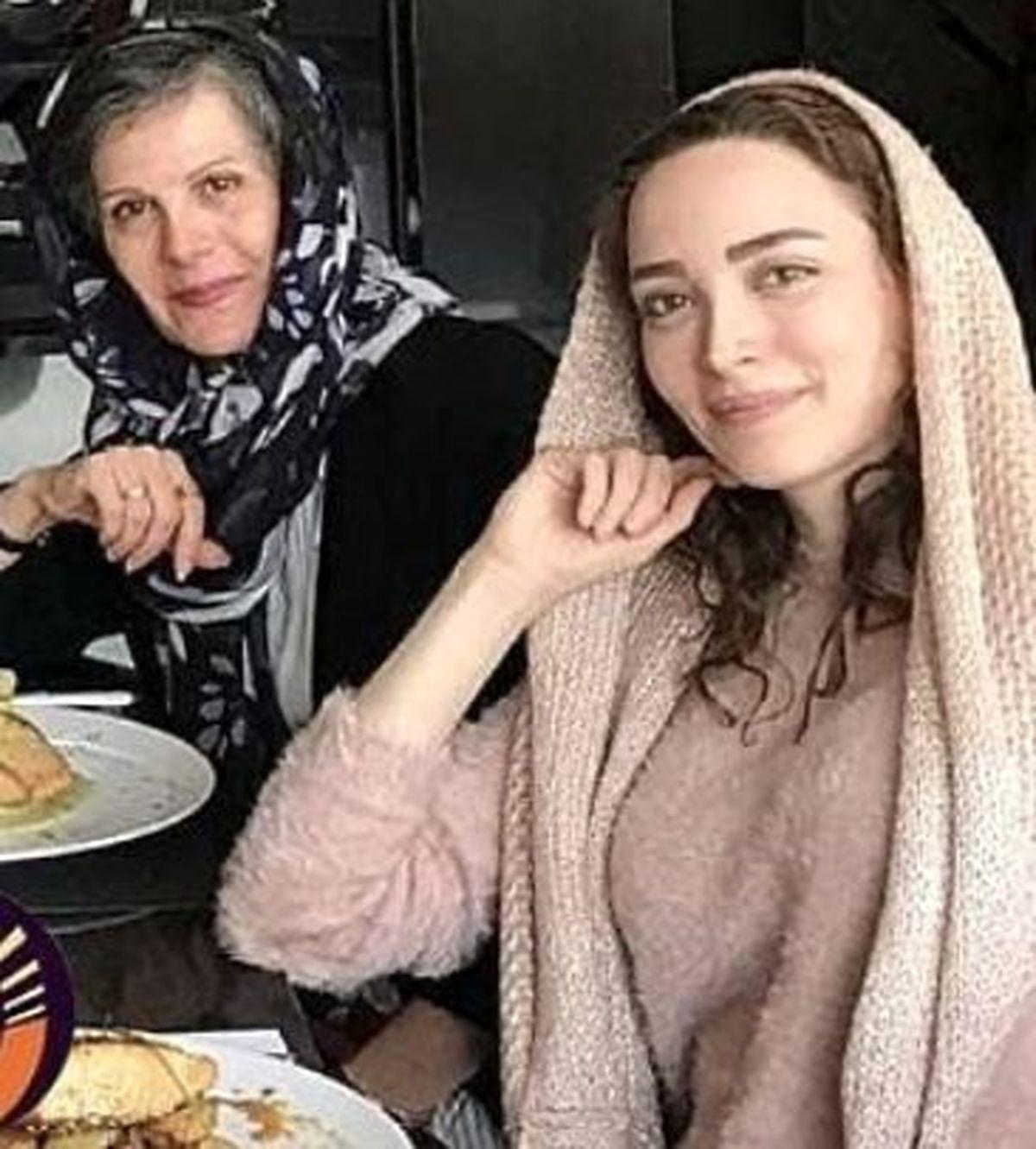 بهنوش طباطبایی در کنار مادرش + عکس