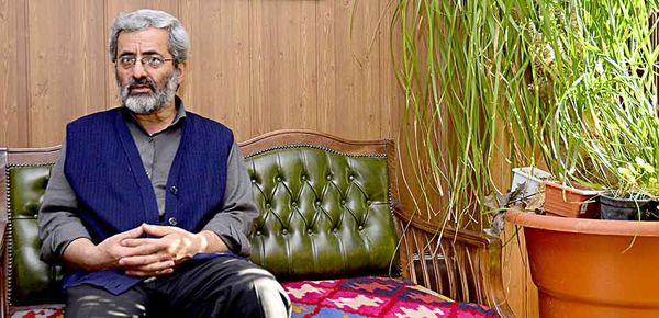 نظام دنبال این بود که افراد را برگرداند اما احمدینژاد اصرار داشت به سمت مخالف سوق دهد