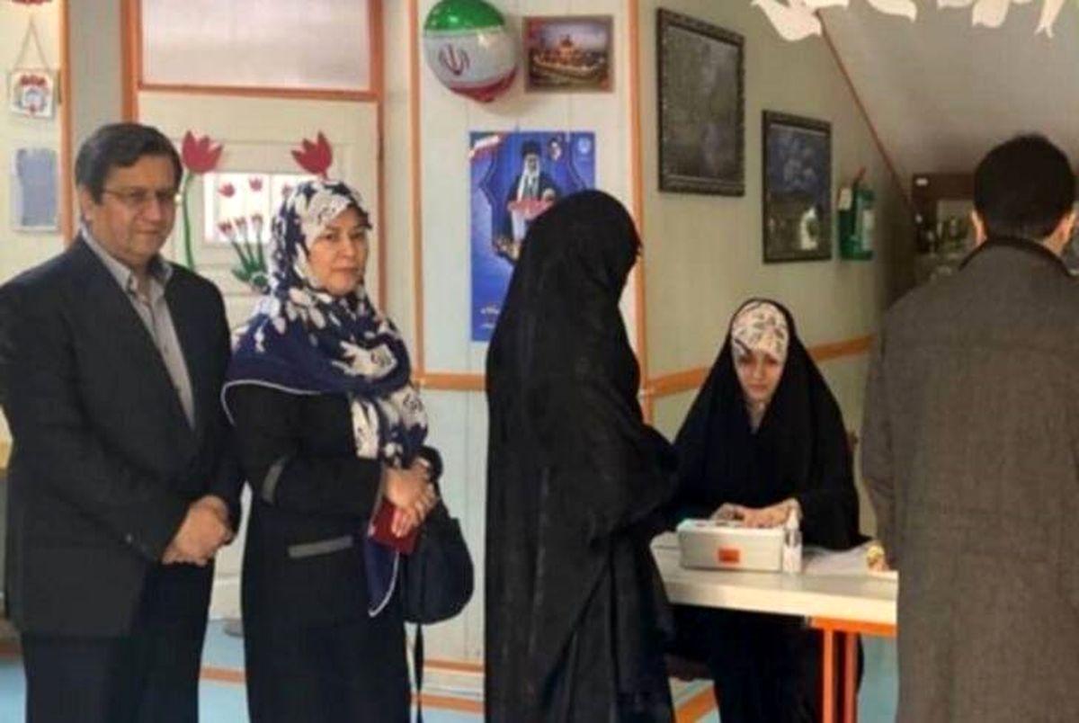 همسر همتی: مردم از رای به همسرم پشیمان نخواهند شد