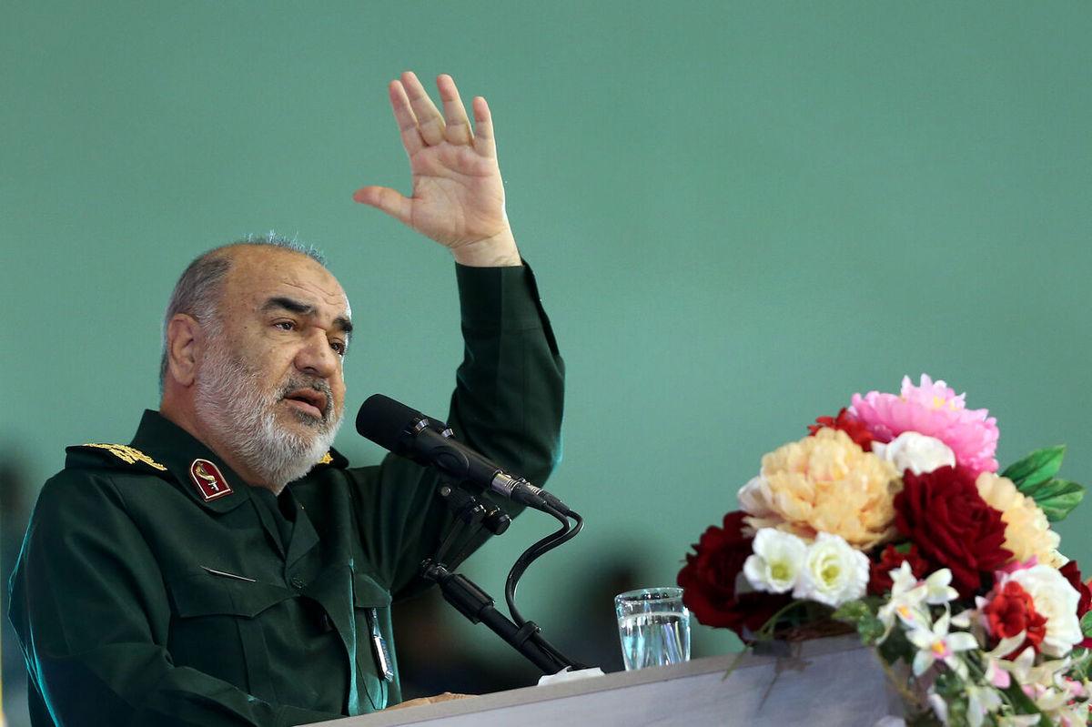 فرمانده سپاه: ما تا غروب مطلق دشمنان ایستادهایم و مقاومت میکنیم