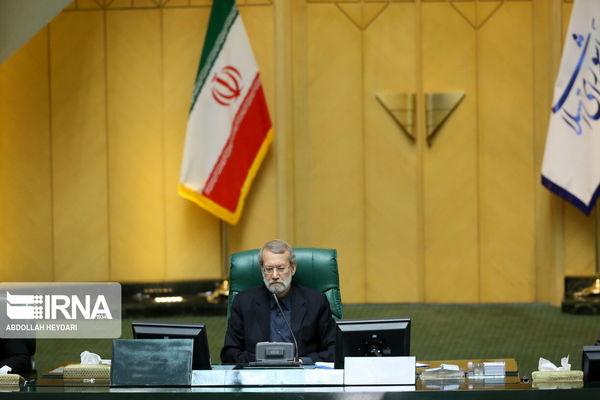 علی لاریجانی : دولت در اسرع وقت پول ها را به حساب مردم واریز کند