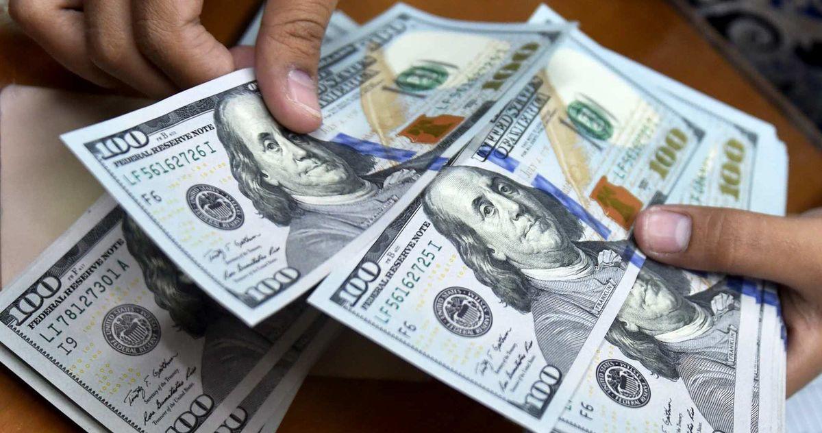 قیمت دلار سر به فلک کشید/ دلار در بازار امروز چند؟