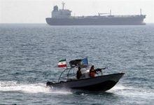 شلیک کشتی آمریکایی به سمت قایقهای تندروی ایران