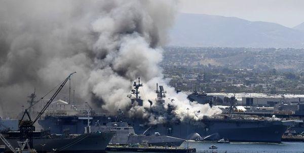 ناو هواپیمابر آمریکایی یواساس بونهام ریچارد آتش گرفت+ تصاویر و تلفات