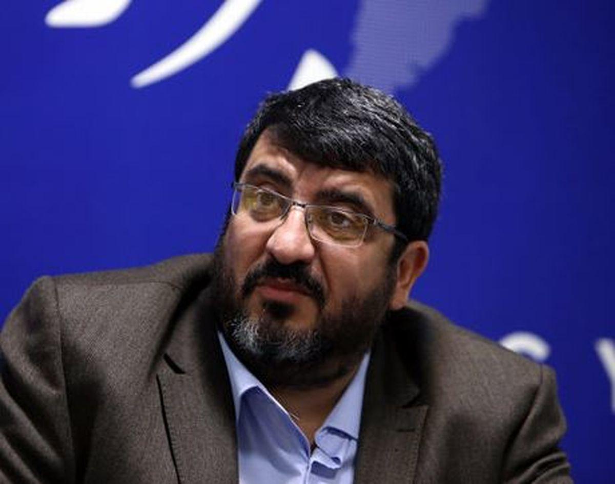 فواد ایزدی: اظهارات روحانی کار مذاکره کنندگان را سختتر میکند
