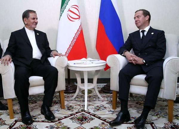 دیپلماسی فعال در حوزه خزر/ دیدار جهانگیری با 5 نخست وزیر