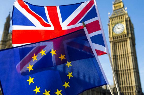 پنج میلیون یورو و تجهیزات پزشکی انگلیس،آلمان و فرانسه در راه ایران