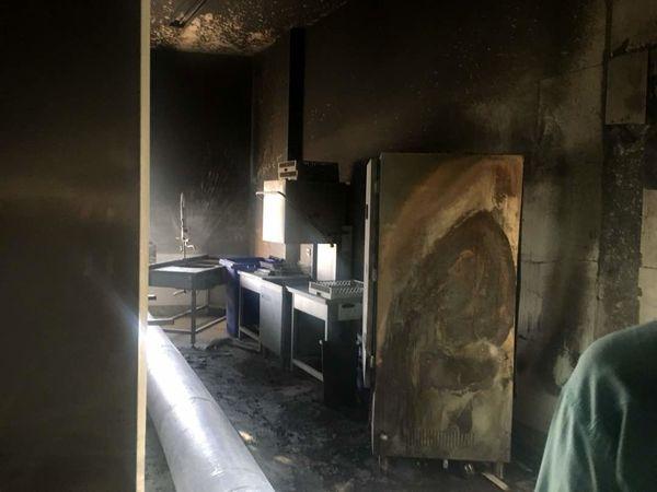 تصاویر آشپزخانه مجموعه پذیرایی در منطقه شیان پس از اطفا حریق