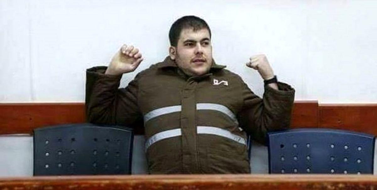 اسیر فلسطینی بر روی زندانبان صهیونیست آب جوش ریخت
