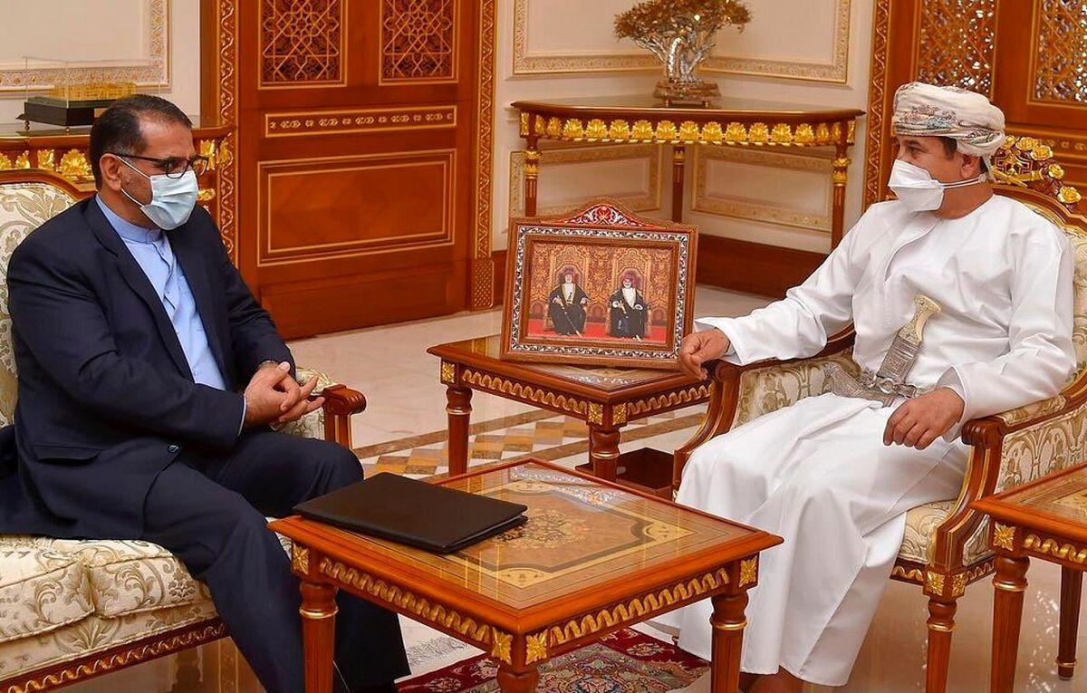 ایران و عمان درباره توسعه مناسبات مشترک گفت و گو کردند