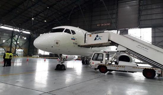 عکس/ سوپر جت 100سوخو  روسی در فرودگاه مهرآباد به زمین نشست