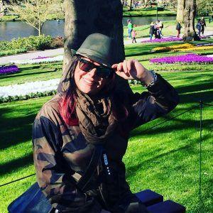 فلور نظری با لباس نظامی در هلند +عکس