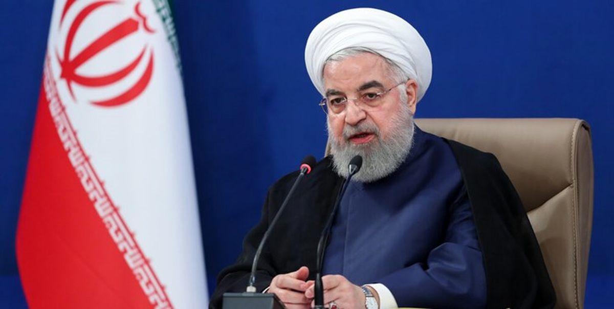 روحانی:کسی نمیتواند وسط سیل بگوید نمیترسم؛ خوب بایست تا آب تو را ببرد