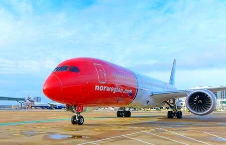 هواپیمای بوئینگ 737  نروژی بعد از فرود اضطراری در فرودگاه شیراز در دست تعمیر است