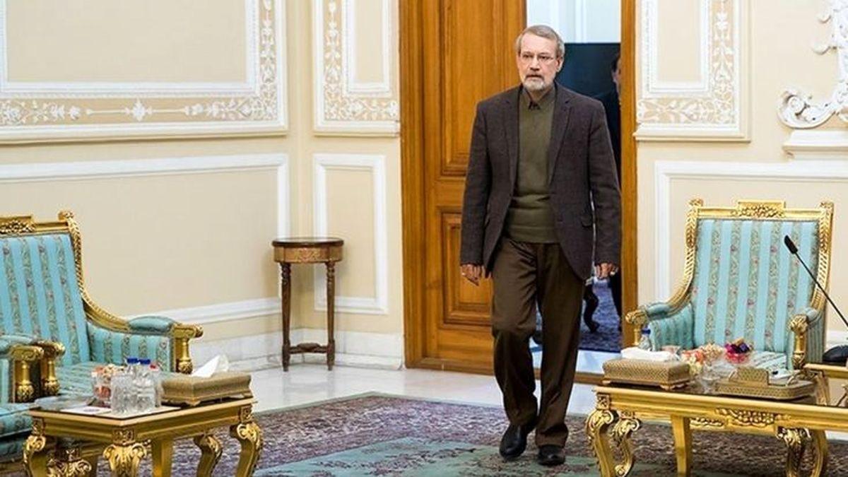 آب پاکی شورای وحدت روی دست لاریجانی
