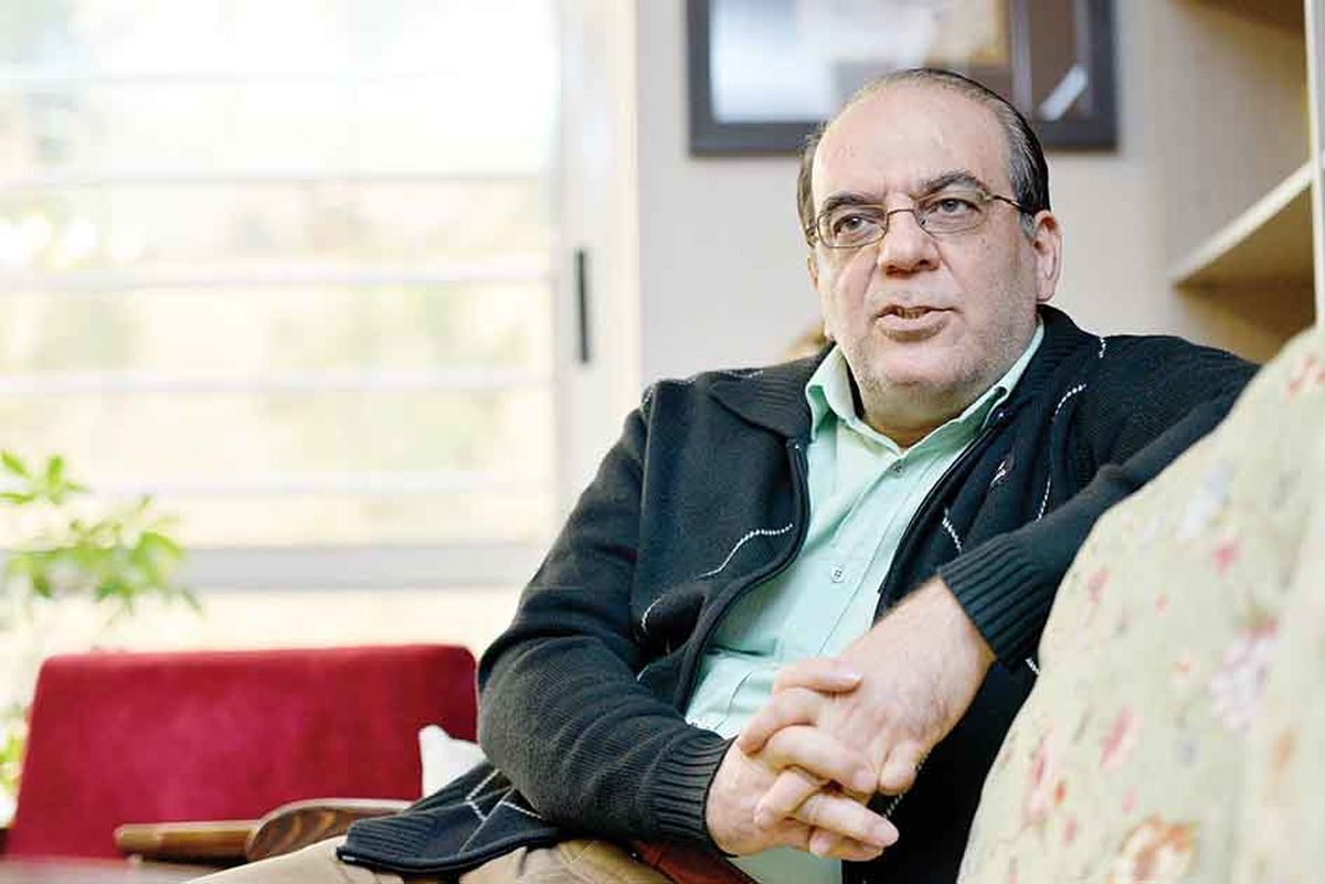 انتقاد تند عبدی از خانه نشینی اصلاح طلبان