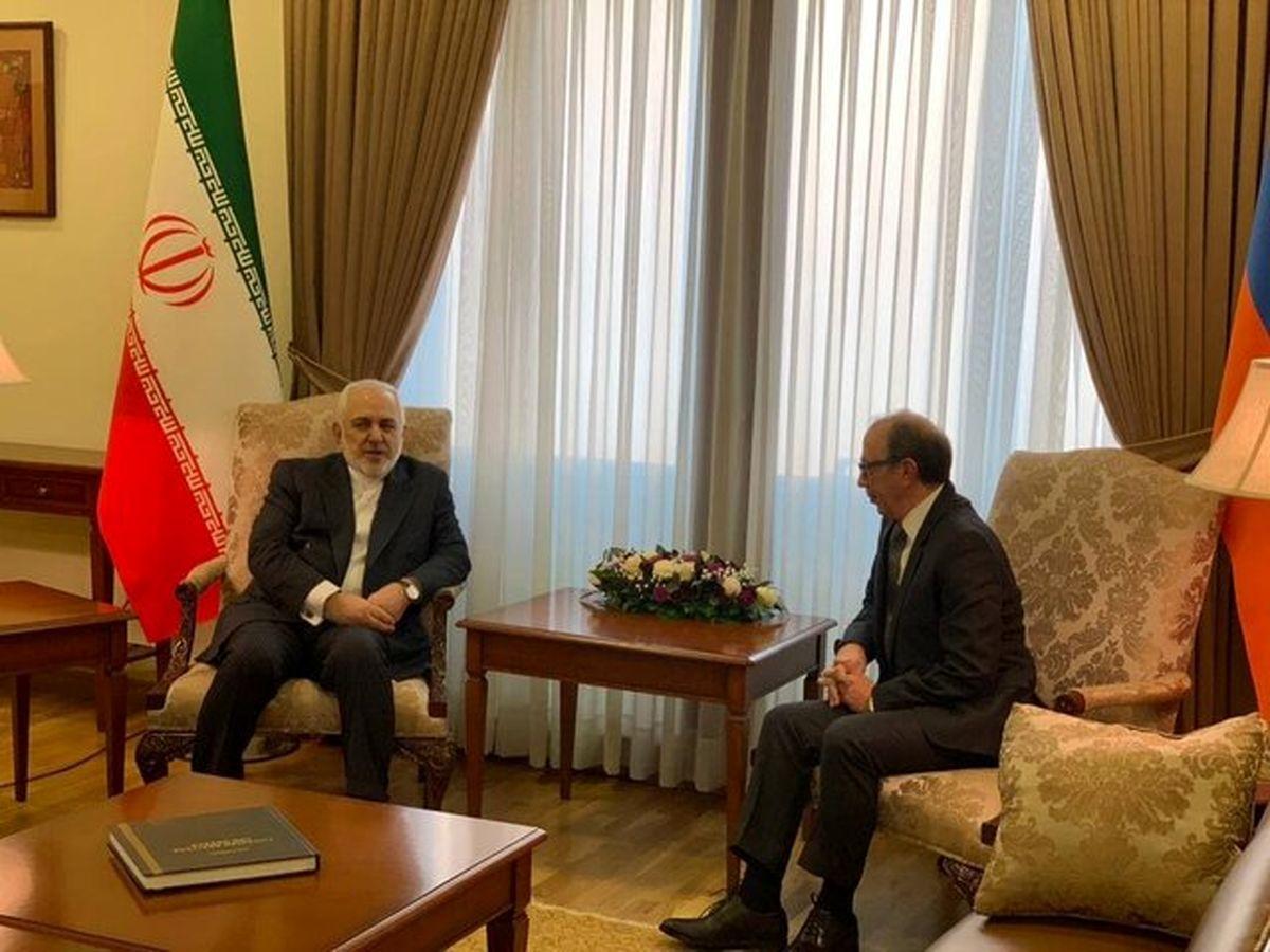 ظریف با همتای ارمنیاش در ایروان گفتگو کرد
