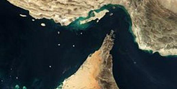 شرکت نفتکش سعودی عبور از تنگه هرمز را متوقف کرد